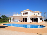 Four bedroom villa with pool and large plot
