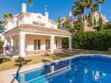 Detached Villa For Sale in San Pedro de Alcántara Málaga Spain