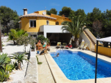 Reformed villa with pool for sale in Benissa