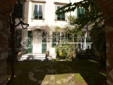 Historic apartment for sale in Lucca, with courtyard