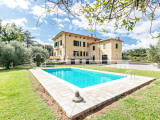 Historic and elegant villa with estate for sale in the countryside of Lucca, Tuscany