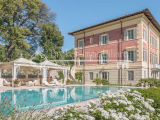 Luxury villa with park, pool and sea view for sale in Pietrasanta, Tuscany