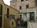 Townhouse to Renovate in Centro Storico
