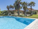 Elegant villa with swimming pool for sale in Forte dei Marmi, Tuscany