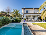 Elegant luxury villa with pool for sale in Forte dei Marmi, Tuscany