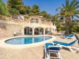 Beautiful villa with fantastic sea views
