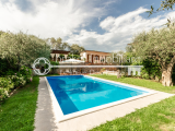 Semi-detached villa with swimming pool and guesthouse for sale in Ameglia, Liguria