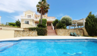 Villa For Sale in Casares Malaga spain