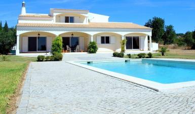 Villa For Sale in Loulé Portugal