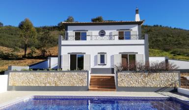 Villa For Sale in Santa Catarina da Fonte do Bispo Algarve Portugal