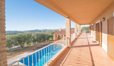 Villa For Sale in São Brás de Alportel Algarve Portugal