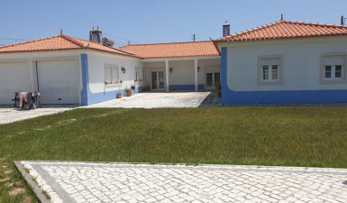 Bungalow For Sale in Caldas da Rainha Leiria Portugal