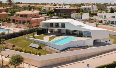Villa For Sale in Porto de Mós Lagos Algarve Portugal