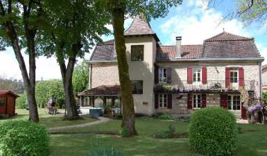 House For Sale in VILLEFRANCHE-DU-PERIGORD France