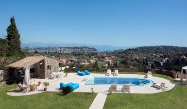 FOR SALE: Luxury villa of 490 sq.m in Viros, Corfu