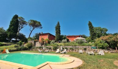 Farmhouse with swimming pool for sale - Il Poggio Rosso