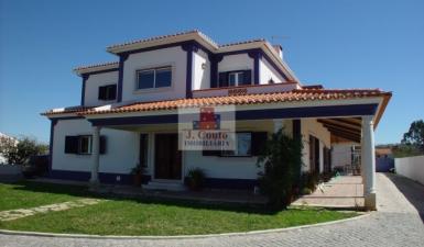 Home For Sale in Nossa Senhora do Pópulo Leiria Portugal